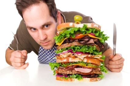 4 raisons pour lesquelles les gens mangent trop